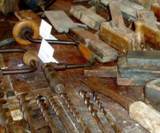 Attrezzi per scavare il legno