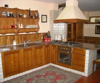 Cucine in legno massello - Pensili cucina fai da te ...