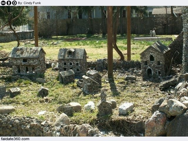 Ben noto Giardino roccioso: progetto, piante, pietre e costi RH84
