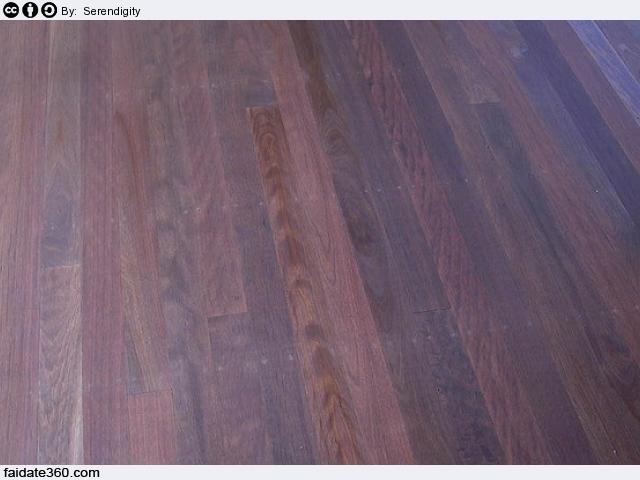 Gres porcellanato effetto legno