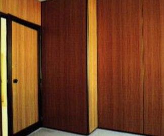 Tenere al caldo in casa pitturare pareti in legno - Dipingere casa a spruzzo ...