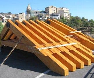 Soffitto In Legno Lamellare : Travi in legno lamellare