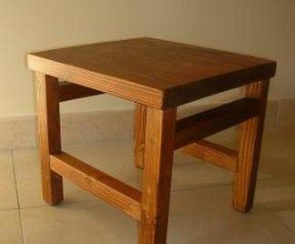 Sgabello in legno grezzo design casa creativa e mobili - Costruire un mobile in legno ...
