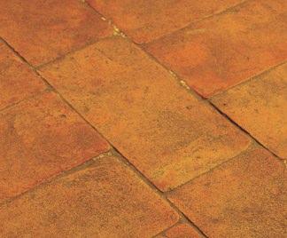 Pavimenti in cotto - Le piastrelle del pavimento di un locale ...