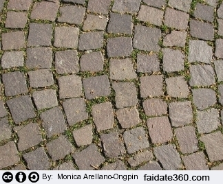 Download Pavimenti in pietra