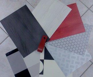 Posa in opera pavimenti in pvc for Materiale per mattonelle