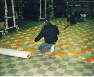 Pavimento In Gomma Antiscivolo : Posa in opera pavimento in gomma