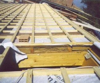 Come rifare il tetto fai da te – Semplice e comfort in una casa di famiglia
