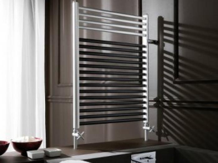 Termosifoni in acciaio caratteristiche scheda tecnica vantaggi e svantaggi dei radiatori for Termosifoni per bagno prezzi